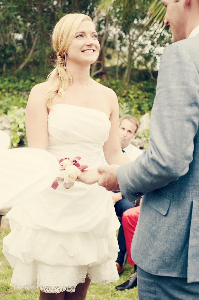 Korte witte trouwjurk van Assepoester in Arnhem