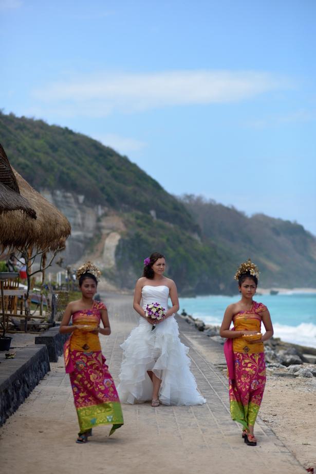 012_lianne bruidsjurk kort van voor en lang van achteren