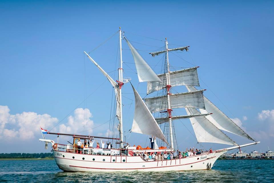 001_trouwschip