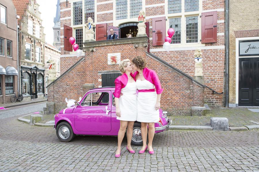 Korte trouwjurken met kleur bij Assepoester in Arnhem