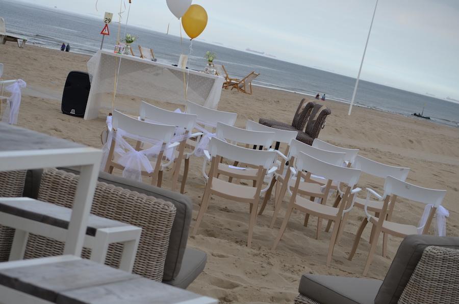 trouwen aan het strand