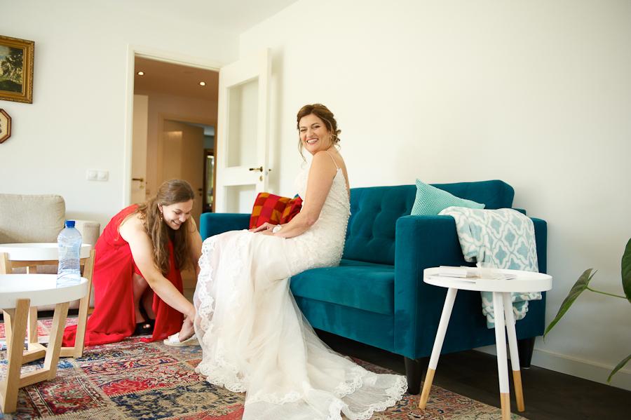 Simone in haar bohemian trouwjurk met kant