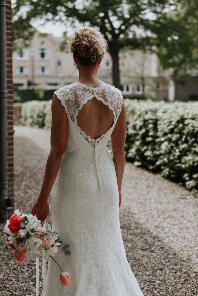 kanten trouwjurk met open rug
