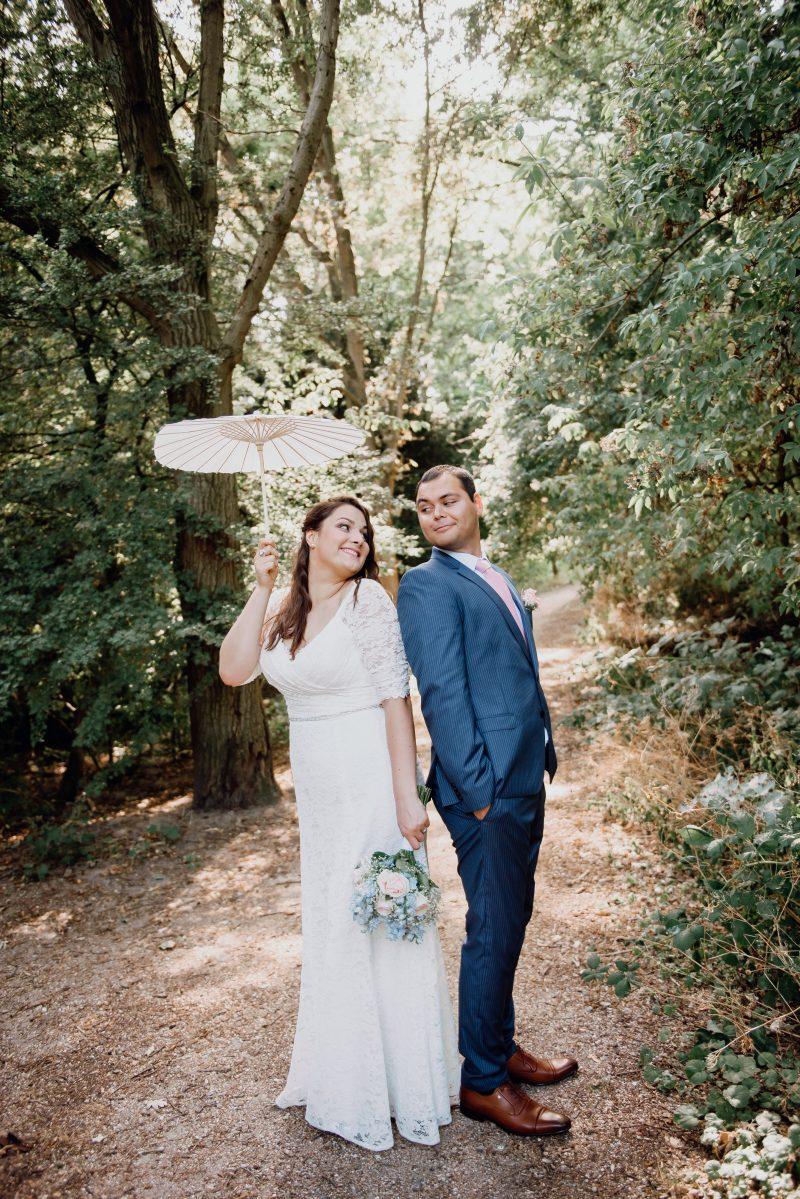 grote cupmaat kanten trouwjurk met decolleté Assepoester