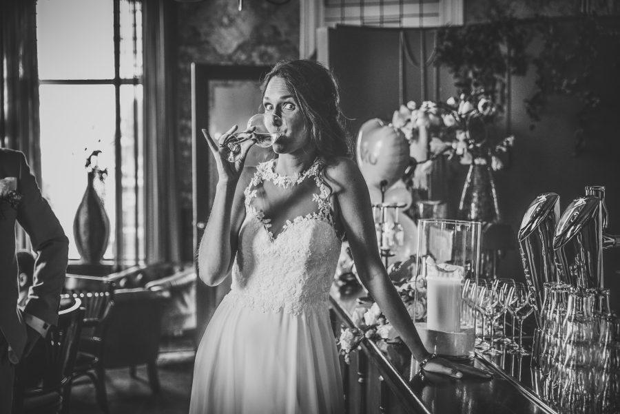 bohemian trouwjurk met open rug met knoopjes Assepoester
