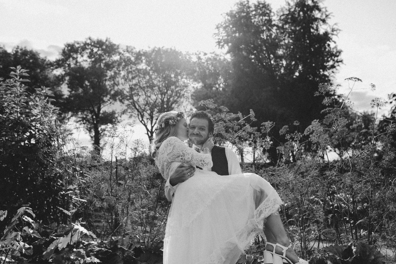 driekwart bohemian trouwjurk met halflange mouw Assepoester