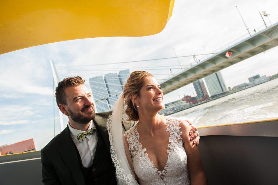 Nazomer Bruiloft In Een Vintage Romantische Trouwjurk