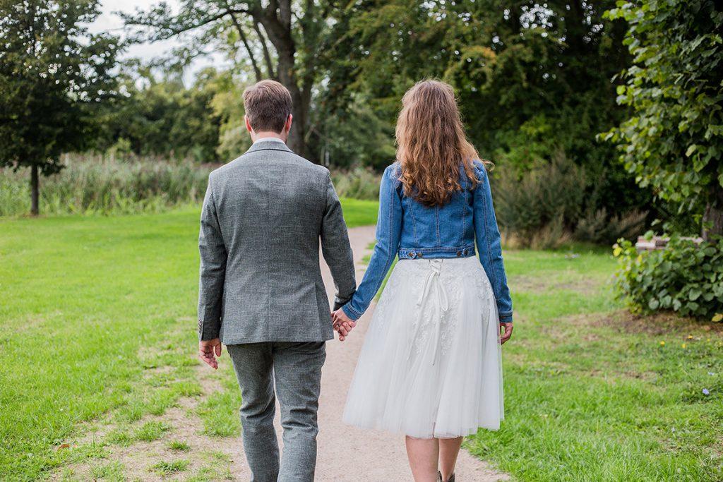 Odette korte trouwjurk spijkerjasje Assepoester